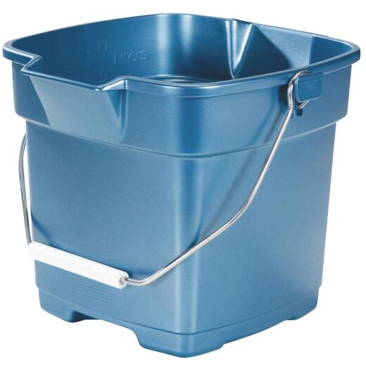 Rubbermaid Roughneck 12 Qt. Blue Bucket